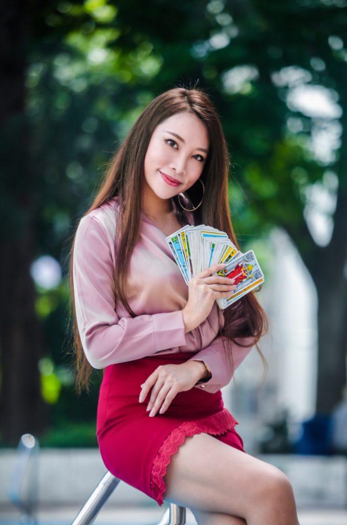 sarah may low tarot cards