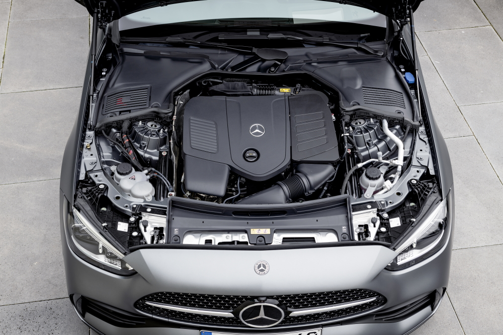 2022 Mercedes-Benz C-Class engine